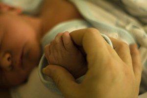 Wat gebeurt er in de hersenen als een vrouw moeder wordt?